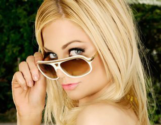 Adult Film Star Riley Steele Scores A Lead Role In 'Piranha 3-D'