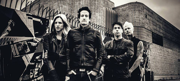 "Filter Hitting The Road With Stone Temple Pilots, ""What Do You Say"" Top 15 At Radio"