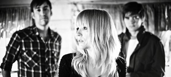 CREATING MONUMENTS: Lauren Larson Discusses Ume's Powerful New Album