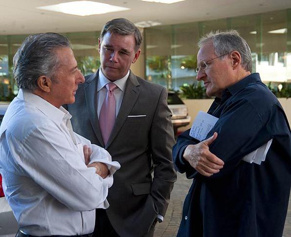 Dustin Hoffman, Spencer Garrett and director Michael Mann